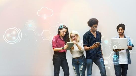 »Networking« – zakaj je mreženje ključen dejavnik v tvojem kariernem razvoju